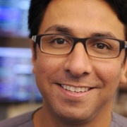 Smiling-man-with-glasses